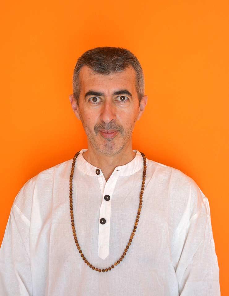 Luca D. insegnante di yoga