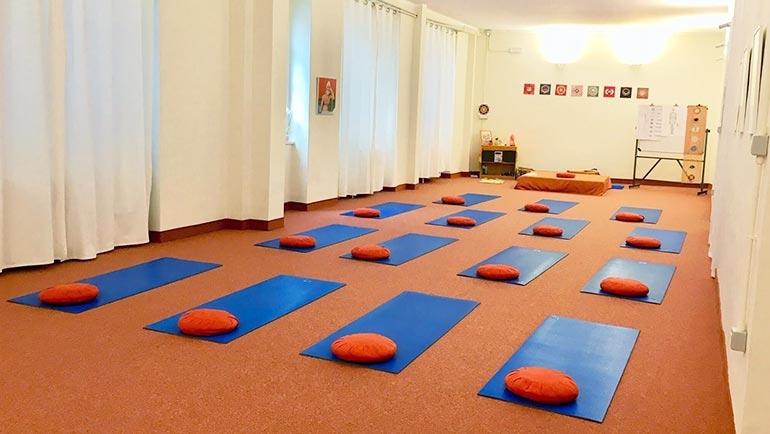 sala-corsi-yoga-tot-centro-satyananda-san-salvario.jpg